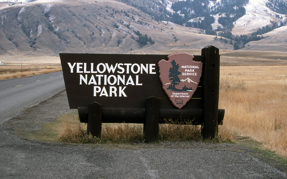 yellowstone national park sign credit jim peaco
